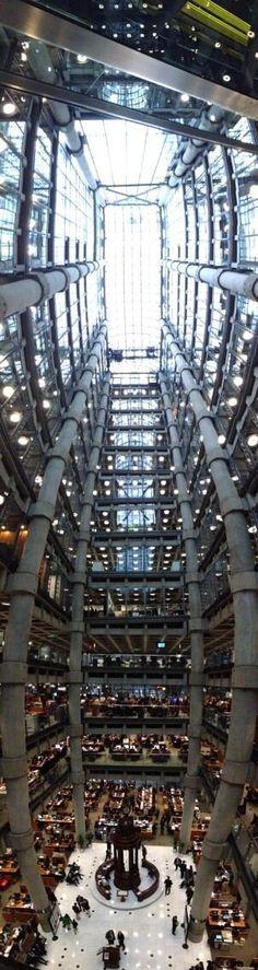 Inside the London Gherkin - amazing building! Unique Buildings, Interesting Buildings, Amazing Buildings, Georgian Architecture, London Architecture, Contemporary Architecture, Gherkin London, Isle Of Arran, Snowdonia National Park