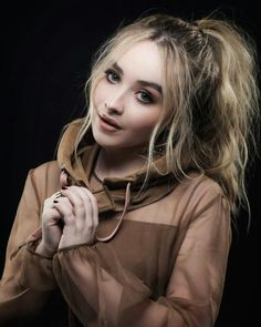 Sabrina Carpenter // @sophanatic