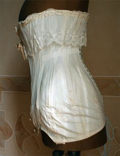 1910-1912 medium-high bust corset. Two other views also available.