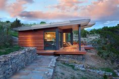 This mountain modern retreat was designed as a family vacation home by Studio H Design, located in Manhattan, Gallatin County, Montana. Landscape Architecture Design, Amazing Architecture, Modern Architecture, Modern Small House Design, Tiny House Design, Small Modern Cabin, Modern Mountain Home, Tiny House Cabin, Cabin Design