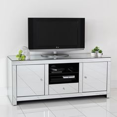 Farmhouse entertainment center with barn doors decoration cool medium size of mirrored decorating glass unit . White Tv Stands, Black Tv Stand, Mirror Tv Stand, Diy Mirror, Contemporary Bathroom Lighting, Contemporary Decor, Tv In Bedroom, Mirrored Bedroom, Modern Bedroom