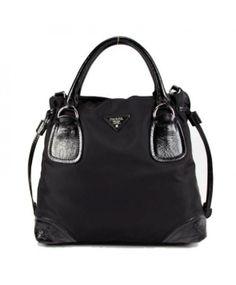 Prada sac en toile et cuir noir 29250 http://www.saclongchamppascherfrance.com/sacs-prada.html