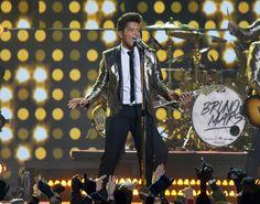 Bruno Mars Gives Stellar Performance at Super Bowl 2014 Halftime Show: Details