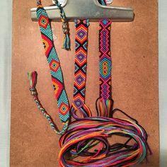 Embroidery Bracelets Patterns Friendship Bracelets Boho Source by lenchenmeinhard - Yarn Bracelets, Hippie Bracelets, Embroidery Bracelets, Summer Bracelets, Bracelet Crafts, Cute Bracelets, Ankle Bracelets, String Bracelets, Paracord Bracelets