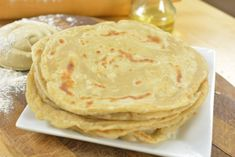 East African Chapati is a beautiful unleavened flat Bread eaten in East Africa in Countries like Burundi Uganda, Mozambique, Kenya,… What I like about this Bread is how soft it is and it goes along with a lot of meals African Chapati Recipe, African Bread Recipe, Easy Bread Recipes, Cooking Recipes, Ugandan Food, Chapati Recipes, Breads, Kuchen, Side Dishes