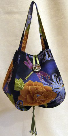 Noriko handbag - I like to make this for gifts. It's easy to make, but looks so pretty when it's done in the right fabric.
