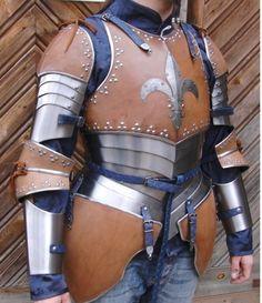 Gorgeous fantasy/historical upper body armor made by Eysenkleider