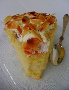 Τούρτα αμυγδάλου Greek Sweets, Greek Desserts, Greek Recipes, Greek Cake, Greek Beauty, Wines, French Toast, Cheesecake, Deserts