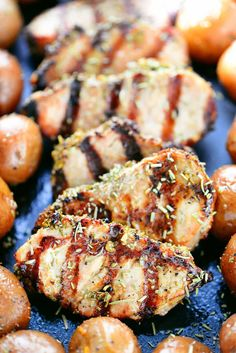 This garlic rosemary pork tenderloin recipe can be made on the grill during the summer and on the stovetop during the winter! It is a fast dinner recipe. Pork Chop Recipes, Grilling Recipes, Meat Recipes, Cooking Recipes, Healthy Recipes, Cooking Rice, Savoury Recipes, Entree Recipes, Rosemary Pork Tenderloin