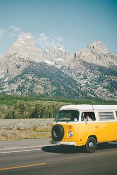 adventure mobile || grab your friends + hit the road