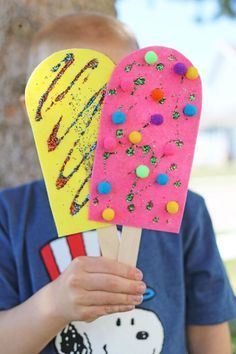 These quick & easy summer kids crafts can be made in under 30 minutes! No specia., DIY and Crafts, These quick & easy summer kids crafts can be made in under 30 minutes! No special skills are required, so ANYONE can make these cute summer crafts for. Creative Crafts, Fun Crafts, Diy And Crafts, Creative Kids, Paper Plate Crafts For Kids, Summer Crafts For Kids, Summer Kids, Preschool Summer Crafts, Summer Crafts For Preschoolers