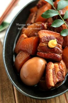Hokkori kakuni of pork belly meat ☆ side dish - 豚バラ肉のほっこり角煮 ☆簡単な作り置き用のおかず☆ Bento Recipes, Pork Recipes, Asian Recipes, Cooking Recipes, Food Design, Food Tasting, Japanese Food, No Cook Meals, Healthy Cooking