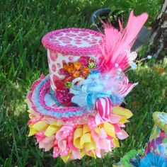 Mad hatter hat for Alice party Mad Hatter Party, Mad Hatter Tea, Mad Hatters, Easter Hat Parade, Teacup Flowers, Alice In Wonderland Tea Party, Crazy Hats, Pink Parties, Tea Parties