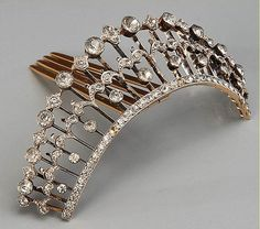 Sterling Paste Diadem I find it interesting that historic diadems are showing up on sites that should know better being referred to as tiaras. I just hate to see everything homogenized into 'tiara'. Royal Jewels, Crown Jewels, Diamond Tiara, Diamond Cuts, Art Deco Jewelry, Vintage Jewelry, Vintage Hair Combs, Pelo Vintage, Barrettes