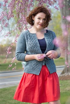 Aislinn by Amy Herzog - knit lace cardigan uses DK weight yarn!