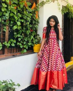 Our shrugs are the ideal way to subtly put warmness to really clothing while still looking trendy. Kalamkari Dresses, Ikkat Dresses, Long Gown Dress, Frock Dress, Sari Dress, Shrug For Dresses, Indian Gowns Dresses, Indian Long Frocks, Frock Models