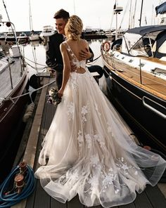 pin: gracefletchh Formal Dresses, Wedding Dresses, Fashion, Bride Dresses, Moda, Wedding Gowns, Dresses For Formal, Formal Dress, Fasion
