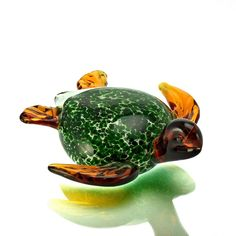 """Sea Turtle Color: Amber and Green Size: 6.5""""x6"""""""