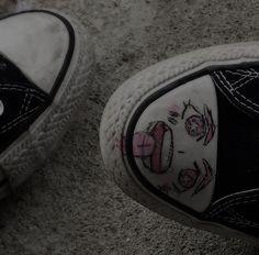 imagen descubierto por <3. Descubre (¡y guarda!) tus propias imágenes y videos en We Heart It Aesthetic Images, Aesthetic Grunge, Aesthetic Wallpapers, Aesthetic Anime, Pink Aesthetic, Chicas Punk Rock, Mode Grunge, Cybergoth, Cute Icons