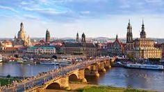 Dresden ist die Hauptstadt von Sachsen und mit seinen vielen Sehenswürdigkeiten, wie das Residenzschloss und der Kreuzkirche immer eine Reise wert. Also wenn dir diese Stadt gefällt bestelle noch heute das Skyline Dresden Wandtattoo in unserem Shop. #Dresden #Skyline #Wadeco // http://www.wadeco.de/skyline-dresden-wandtattoo.html