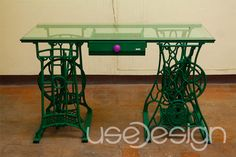 reciclando muebles Home Trends home fashion furniture trends Old Sewing Machine Table, Sewing Machine Projects, Antique Sewing Machines, Furniture Styles, Furniture Projects, Furniture Making, Muebles Home, My Sewing Room, Home Trends