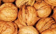 Los frutos secos son altamente energéticos con un alto contenido en grasa vegetal y proteínas. Gracias a su contenido en Omega 3 ayudan a prevenir enfermedades degenerativas como el cáncer.