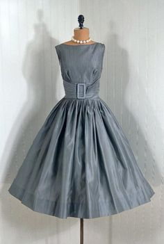 Items similar to Vintage Claudia Young Designer-Couture Pintuck Silver-Gray Shimmer-Silk Backless Rockabilly Bombshell Circle-Skirt Wedding Party Cocktail Dress and Matching Swing-Coat on Etsy Retro Vintage Dresses, Vintage Wear, Retro Dress, Vintage Outfits, Vintage Party, Vintage Dress Patterns, 50s Vintage, Vintage Clothing, Gala Dresses