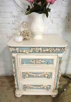 moebel streichen Painted Cottage Shabby Chic Romantic Night by paintedcottages Shabby Chic Decor, Shabby Chic Dresser, Painted Furniture, Chic Decor, Chic Bedroom, Furniture Makeover, Shabby Chic Furniture, Shabby Chic Room, Chic Home Decor