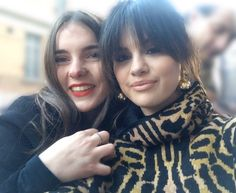 Image shared by Find images and videos about selena gomez on We Heart It - the app to get lost in what you love. We Heart It, Selena Gomez With Fans, Forever Girl, Marie Gomez, American Singers, Taylor Swift, Actresses, Couple Photos, Celebrities