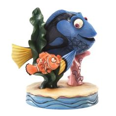 Disney Traditions floating friends Nemo & Dory figurine by Enesco. From Disney gift collection designed by Jim Shore. Features Nemo & Dory on an adventurous journey. Disney Pixar, Disney Art, Walt Disney, Disney Stuff, Disney Characters, Disney Magic, Nemo Dori, Jim Shore Disney, Disney Statues