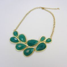 Leaf Green Necklace - i don't wear much jewelry, but this is pretty and unique.