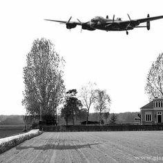 Oldwarplanes by Gertjan