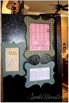 GOTTA MAKE: Fridge Frames! Make yourself some fridge frames to jazz up the takeout menu or kids artwork, or whatever! Easy and quick craft! Quick Crafts, Cute Crafts, Crafts To Make, Diy Crafts, Crafty Craft, Crafty Projects, Diy Projects To Try, Crafting, Kids Artwork