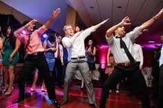 Prepara un baile sorpresa para tu boda. Mira las diferentes modalidades. http://sorpresasparatupareja.com/2014/10/06/bailes-especiales-para-boda/