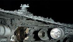 Découvrez dans cette immense galerie pas moins de 140 photos des maquettes des vaisseaux ayant servi pour le tournage de la 1ere trilogie Starwars. Ces photos permettent d'apprécier le très grand niveau de détail donné à ces différentes maquettes. A savoir qu'on peut voir de plus prés cert