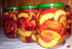 Nektarin befőtt Canning Pickles, Torte Cake, Hungarian Recipes, Meals In A Jar, Fun Desserts, Fruit Salad, Cucumber, Food And Drink, Cooking Recipes