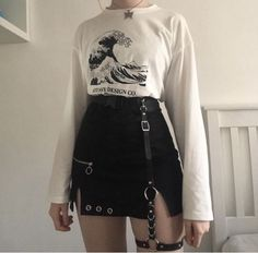 41 Ideas Style Inspiration Edgy Grunge For 2019 Style Outfits, Retro Outfits, Mode Outfits, Cute Casual Outfits, Grunge Outfits, Hipster Outfits, Goth Girl Outfits, Black Outfit Grunge, Summer Outfits