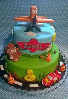 Disney cake - planes & cars cake :D Pistachio Torte Recipe, Strawberry Torte Recipe, Blueberry Torte, Raspberry Torte, Planes Birthday, Twin Birthday Parties, Diy Birthday Cake, Planes Party, Birthday Ideas