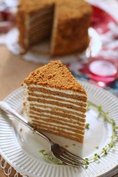 Russian Honey Cake Medovik - masam manis Russian Honey Cake, Cake Photography, Beautiful Cakes, Asian Recipes, Telur, Cake Recipes, Food And Drink, Foods, Drinks
