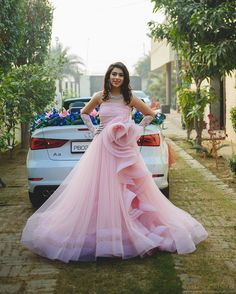 Check out this post - New collection Dress created by Trusha Khimsaria and top similar posts, trendy products and pictures by celebrities and other users on Roposo. Indian Wedding Gowns, Indian Gowns Dresses, Indian Bridal Outfits, Indian Designer Outfits, Designer Gowns, Bridal Dresses, Girls Dresses, Designer Wear, Wedding Dress