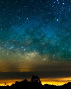 Breathtaking time-lapse photography (sky and nature)