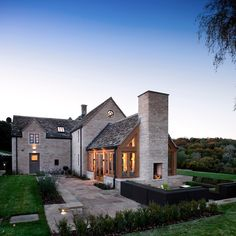 Country Home Exteriors, Country Modern Home, Modern Farmhouse Design, Stone Home Exteriors, Farmhouse Decor, Farmhouse Plans, Farmhouse Table, Farmhouse Exterior Colors, Modern Exterior