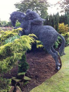 Horse Sculpture, Garden Sculpture, Amazing Gardens, Sculptures, Good Things, Horses, Statue, Horse, Sculpture