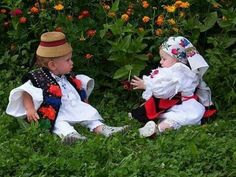 Maramures - Cute babies from Romania! Cute Kids, Cute Babies, Romanian Girls, Visit Romania, Beautiful Costumes, World Photography, Folk Costume, People Of The World, Beautiful Children