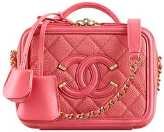 Today we are going to talk about cute Chanel Vanity case bag! Because box bags are getting trend every single day! And if you're a real Chanel. Burberry Handbags, Chanel Handbags, Designer Handbags, Women's Handbags, Designer Bags, Leather Handbags, Red Purses, Purses And Bags, Ysl