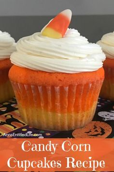 A fall favorite, these delicious, easy to make sweet cupcake treats are perfect for snack-time, lunch-time, anytime! Get into the spirit of Autumn with these adorable Candy Corn Cupcakes. Candy Corn Cupcakes, Sweet Cupcakes, Yummy Cupcakes, Cupcakes Fall, Mini Tortillas, Cupcake Recipes, Cupcake Cakes, Dessert Recipes, Bundt Cakes