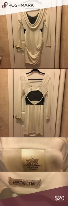 Backless Arden B Cream Body Con Dress Lightly used Backless Arden B dress. Front is low cut cowl neck and the back has mesh and open back. Mini dress. Cream Color. ⭐️Fast Shipper 🏃🏻♀️✔️⭐️Ask me questions/make me an offer⁉️✔️⭐️ Arden B Dresses Mini