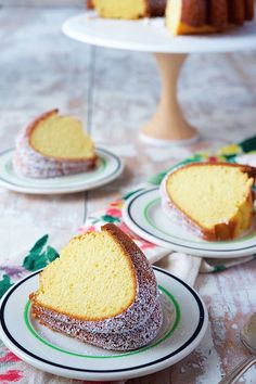 """"""" With its perfectly balanced flavors (butter, sugar, vanilla), this moist, fine-grained Classic Vanilla Bundt Cake cake is simply delicious. Bunt Cakes, Cupcake Cakes, King Author Flour, Easy Desserts, Dessert Recipes, Chocolate Bundt Cake, Sugar Cake, Pound Cake Recipes, Let Them Eat Cake"""