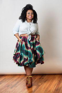 Une marque new-yorkaise qui explore le pagne et d'autres imprimés avec beaucoup de style. Jupes, tops, maillots de bain,...Nakimuli a tout pour plaire.