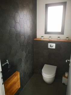 Discover recipes, home ideas, style inspiration and other ideas to try. Design Wc, Modern Design, Design Ideas, Modern Bathroom, Small Bathroom, Toilette Design, Toilet Room, Downstairs Toilet, Bedroom Layouts